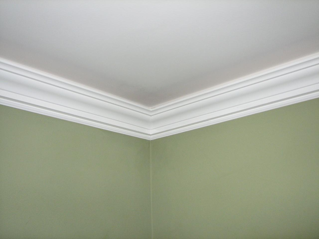 Crown moulding be equipped thick floor molding be equipped crown molding edges be equipped mold on interior walls