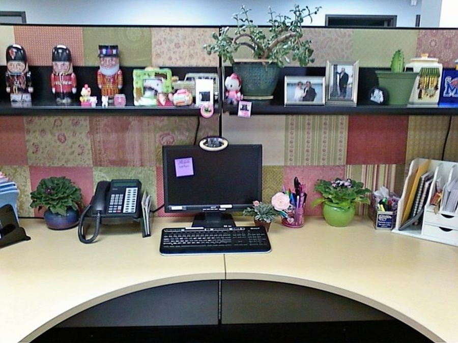 Cubicle decor you can look ideas for cubicle decorations you can look cute office cubicle decorating ideas