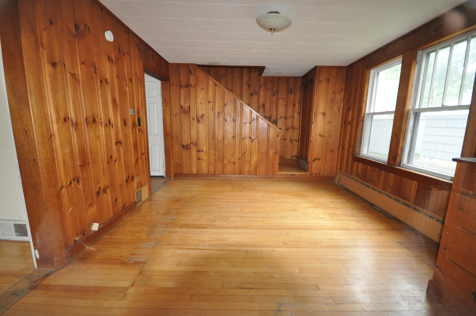 Knotty Pine Paneling – Know How to Decorate and Maintain it Well