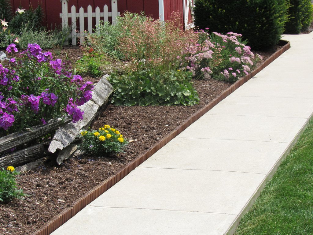 Landscape edging also flexible lawn edging also concrete lawn edging also landscape edging borders