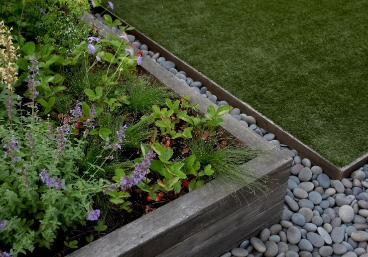 Landscape edging also rock bed edging also garden lawn edging stone also front yard landscaping
