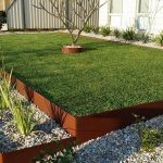 : Landscape edging and also flower bed border stone and also garden separator and also landscaping bricks