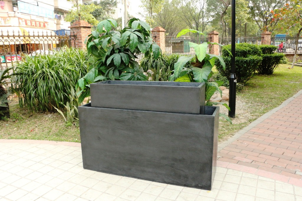 Large Outdoor Planters: Which Wood Material Is Good?