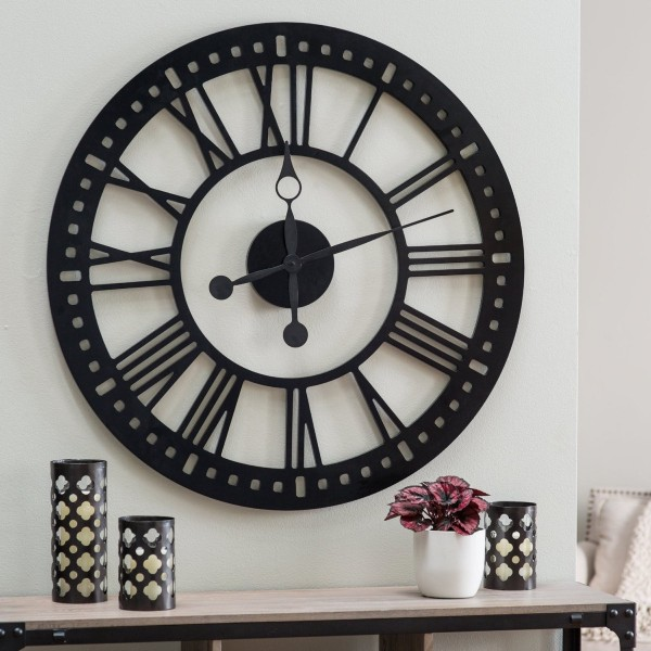Oversized Wall Clocks: Creating a Timeless Industrial Room's Look