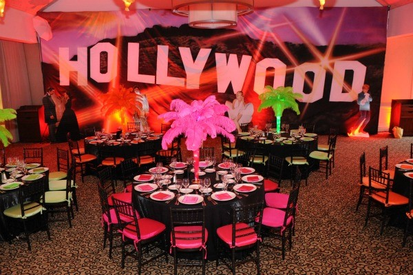 Sweet sixteen themes and also places for 16 year old birthday party and also pink and black sweet 16 decorations