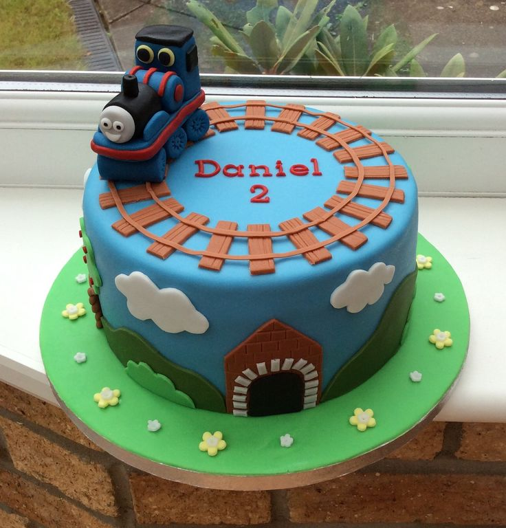 Thomas the Train Cake Design and Decorating Inspirations