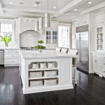 : White kitchen cabinets be equipped antique kitchen cabinets be equipped white shaker cabinets
