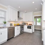 : White kitchen cabinets be equipped shaker style cabinets be equipped shaker kitchen cabinets