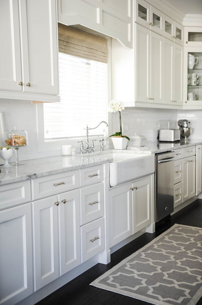 White Kitchen Cabinets to Replace Your Old Boring Kitchen Cabinet
