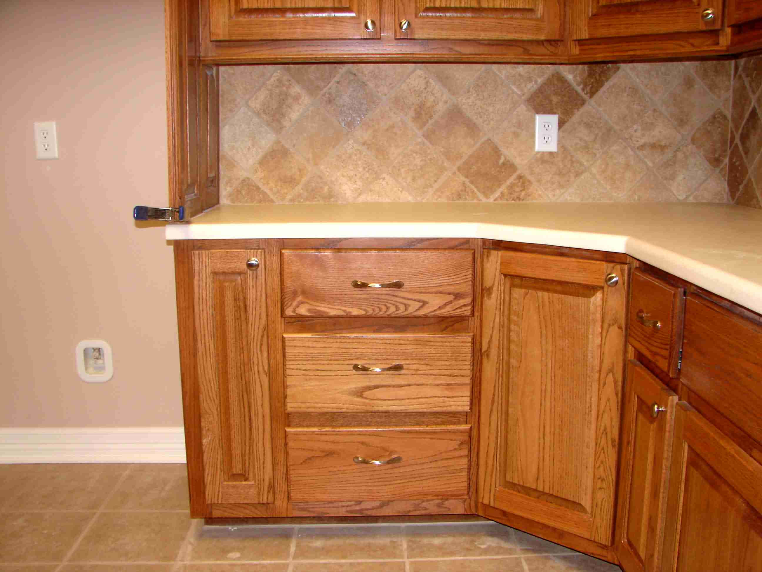Kitchen Cabinet Ideas: Define Yourself with Extraordinary Cabinet