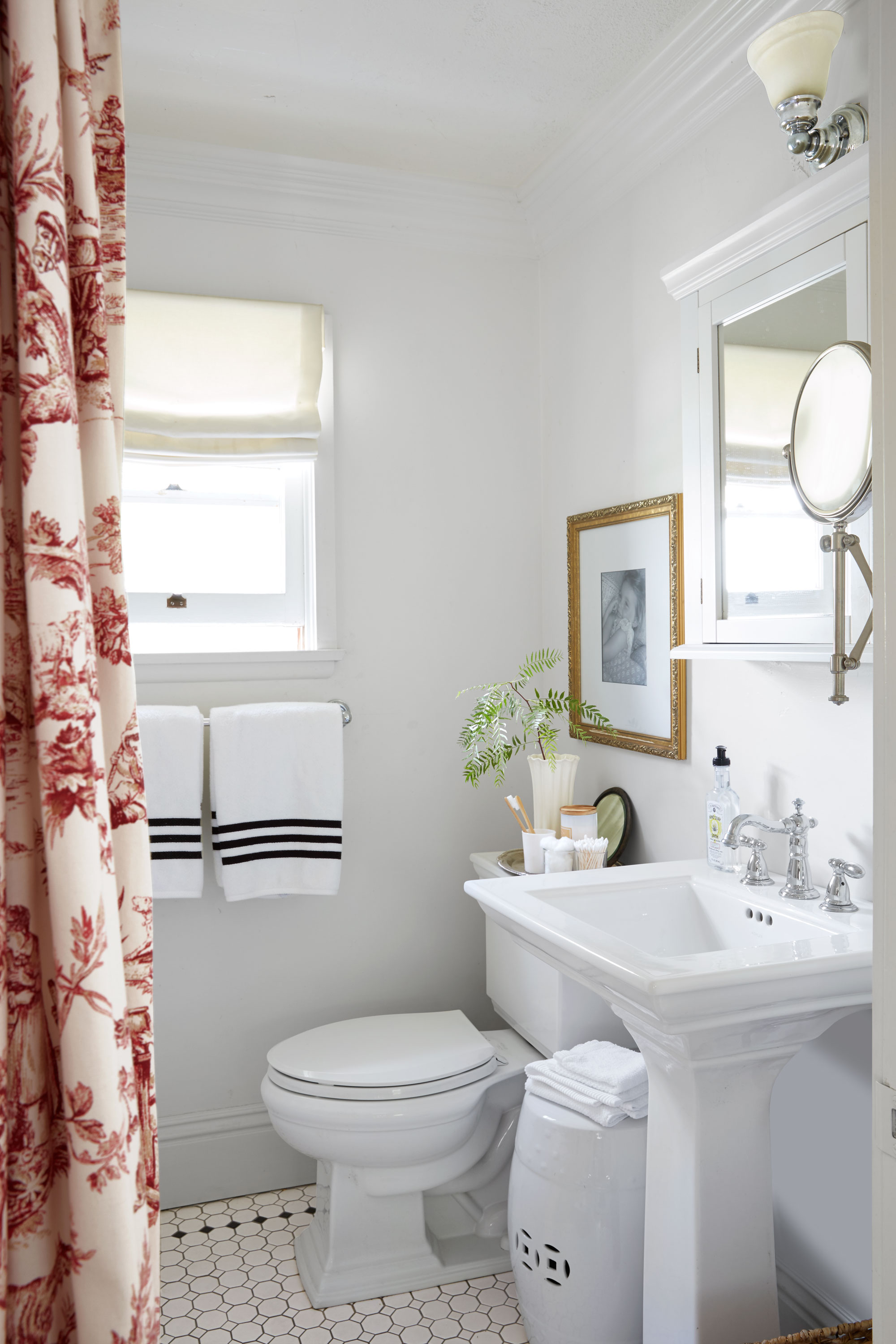 How to decorate bathroom also add bathroom wall accessories ideas also add how to decorate a small cloakroom also add very small bathroom decorating ideas
