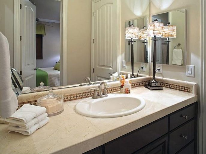 How to decorate bathroom also add large bathroom ideas also add small bath decor ideas also add white bathroom decor also add bathroom accessories decorating ideas