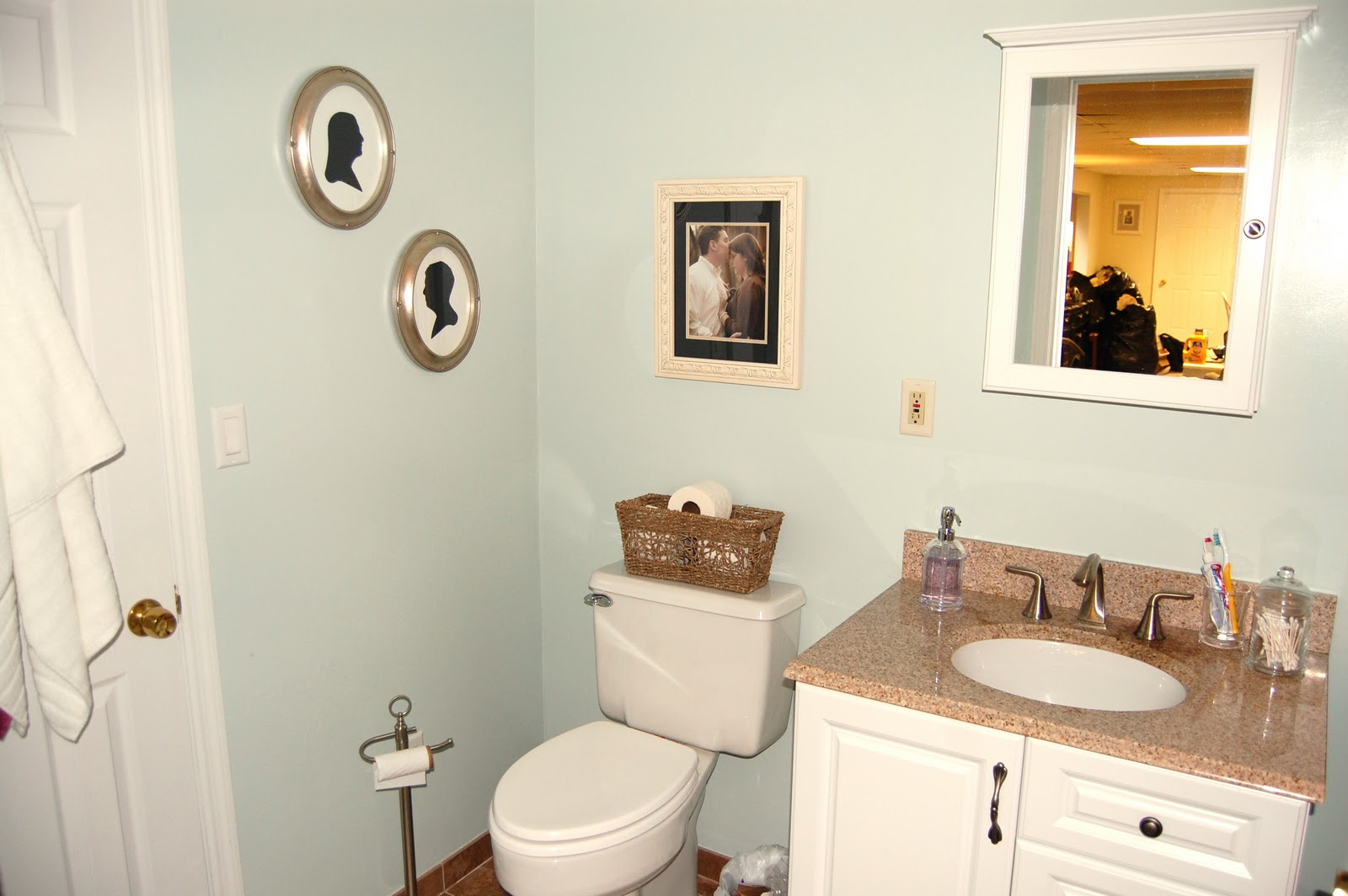 Tips How to Decorate The Bathroom?