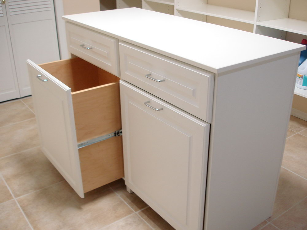 Laundry Room Table Inspirations for Simple Laundry Room