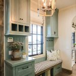 : Mudroom ideas and also antique mudroom furniture and also beautiful mudroom and also freestanding mudroom furniture