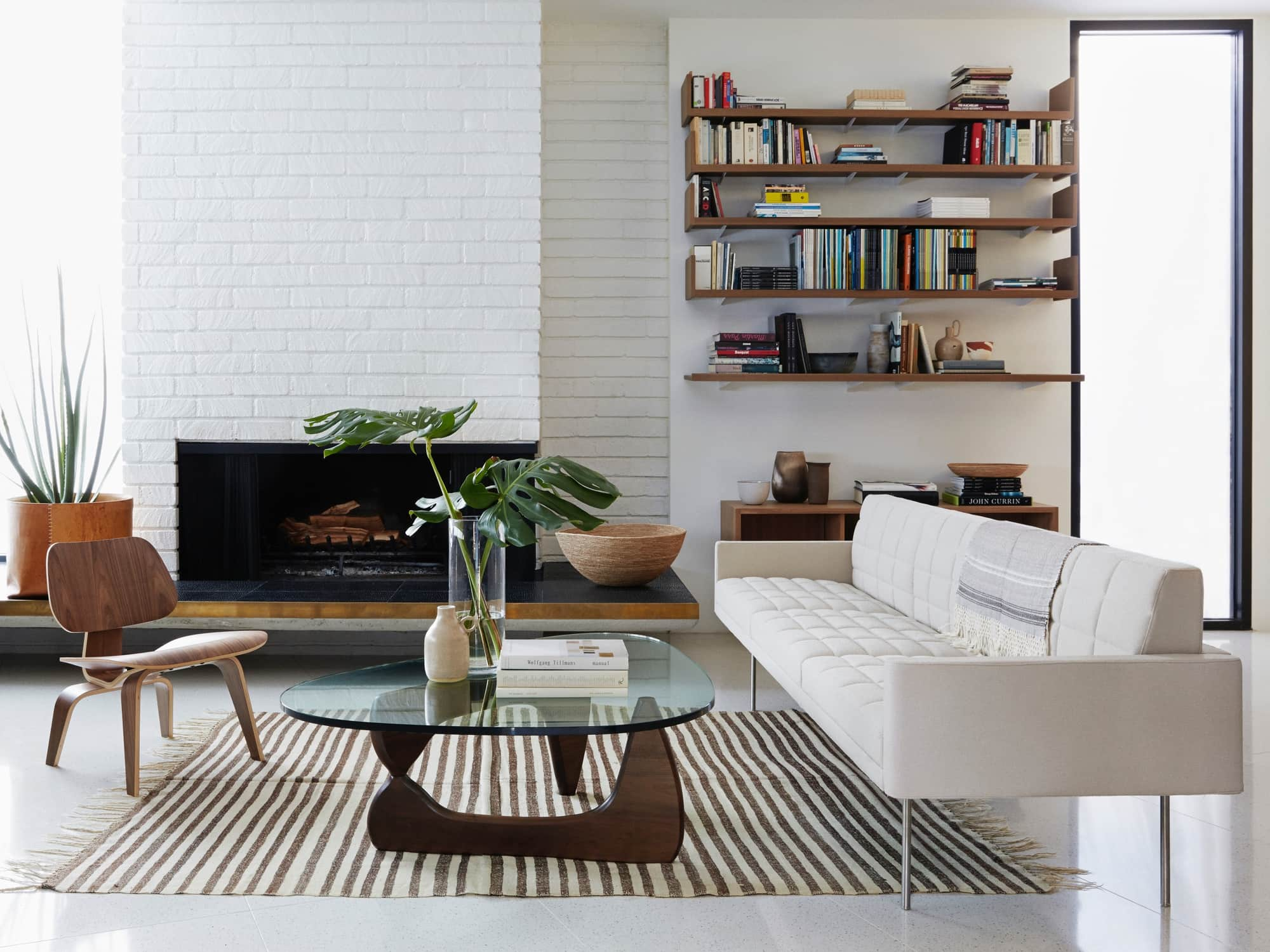 Noguchi Coffee Table for Your Elegant Family Room
