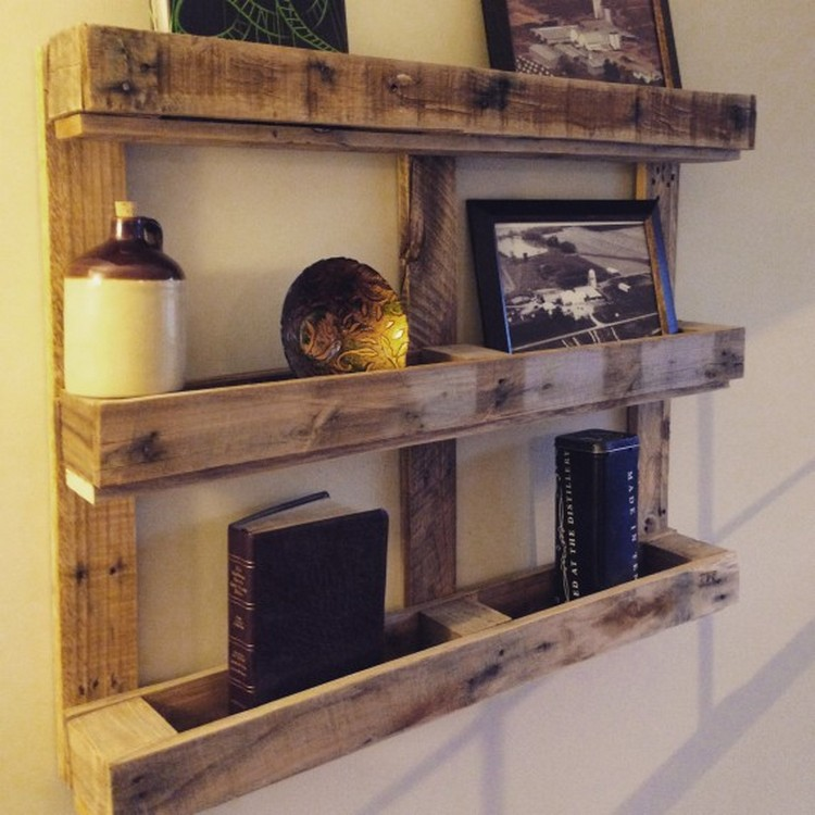 Wood pallet shelves and also easy pallet deck and also shelves made out of wood pallets and also pallet wood furniture ideas