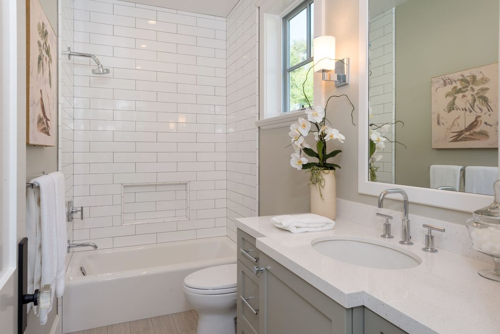 classic bathroom tile design ideas